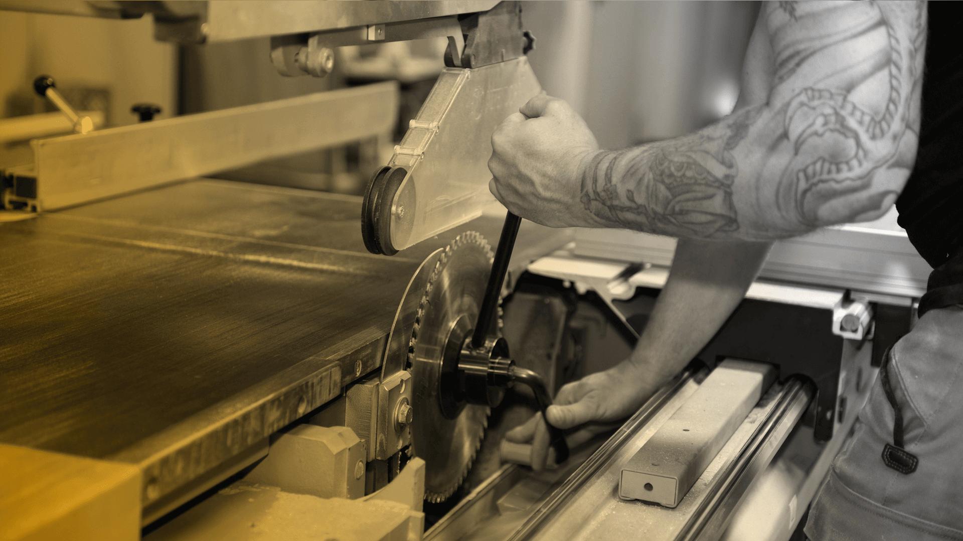 Adam And Wood Holztechnik und Möbelbau aus Hamburg Slider 8