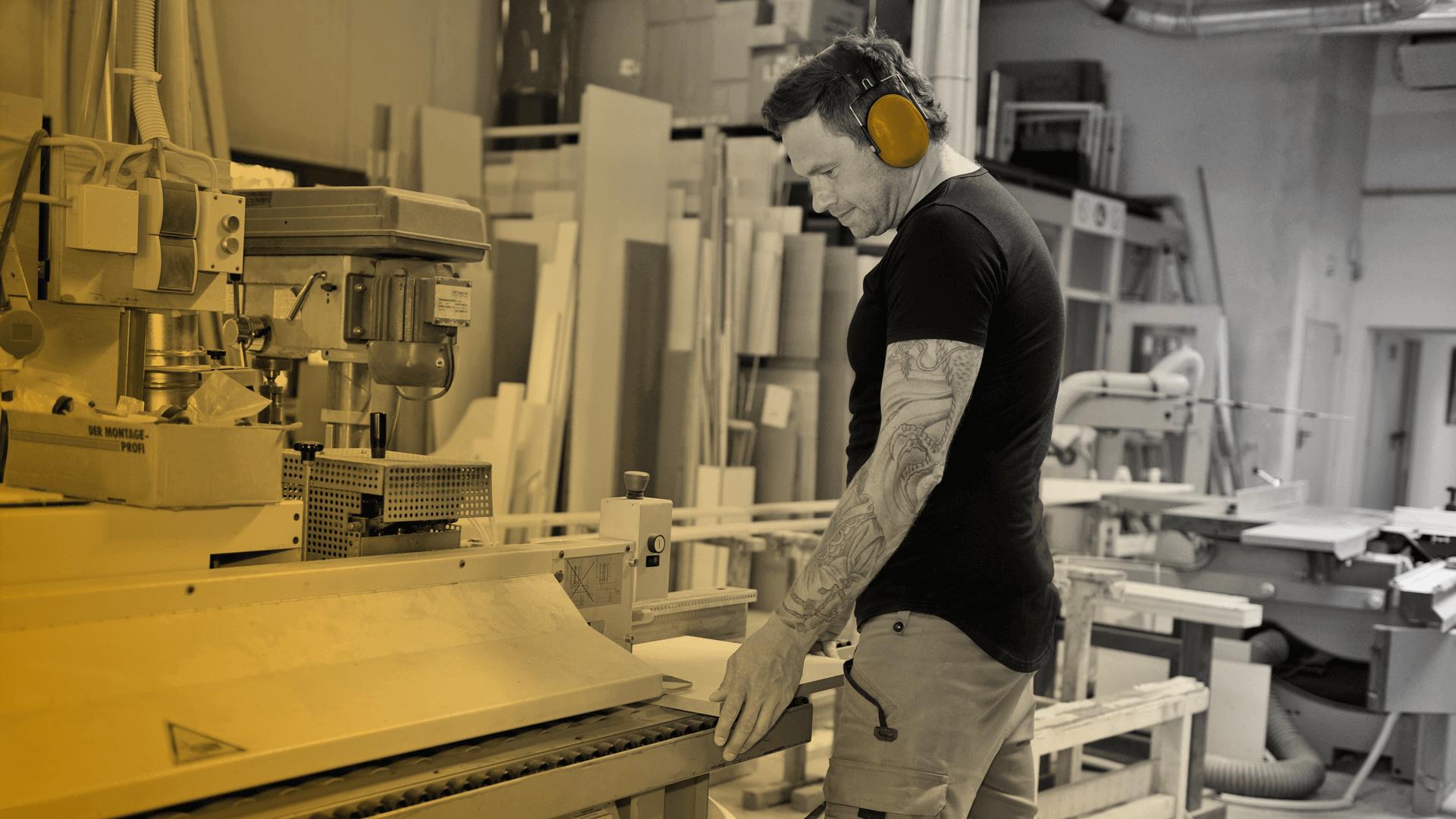 Adam And Wood Holztechnik und Möbelbau aus Hamburg Slider 1