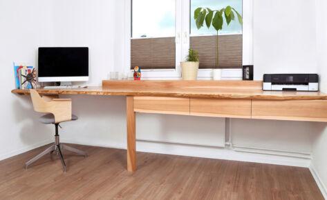 schwebender Schreibtisch